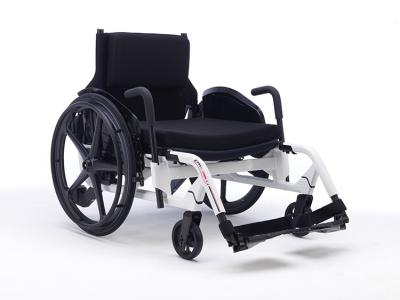 Invacare Action Ampla manual wheelchair Plus-Size user